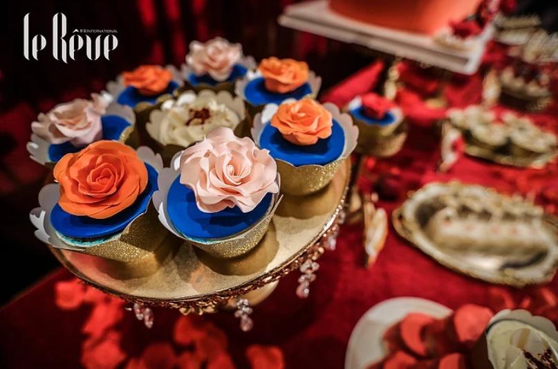 ไอเดียจัดงานแต่งงานสไตล์จีนด้วยธีมสีแดง-ทอง เนรมิตงานแต่งในสวนกุหลาบแดงอร่าม